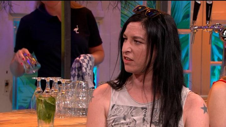 """Ryanne van Dorst wordt gek van de hitte: """"Mensen gaan zich zo stom gedragen"""""""
