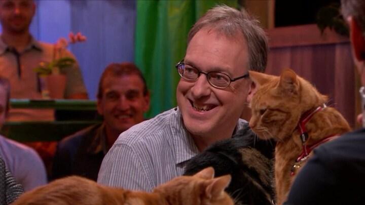 Sander Schimmelpenninck belandt als 'hondenmens' aan tafel vol katten
