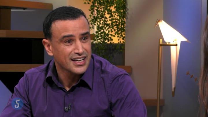 """Khalid Boudou over zijn nieuwe boek Pizza Maffia Slaat Door: """"De jongeren vroegen er zelf om"""""""