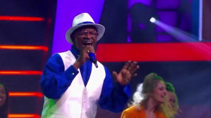 The Voice Senior gemist? Eddie Taylor zingt Land Of 1000 Dances
