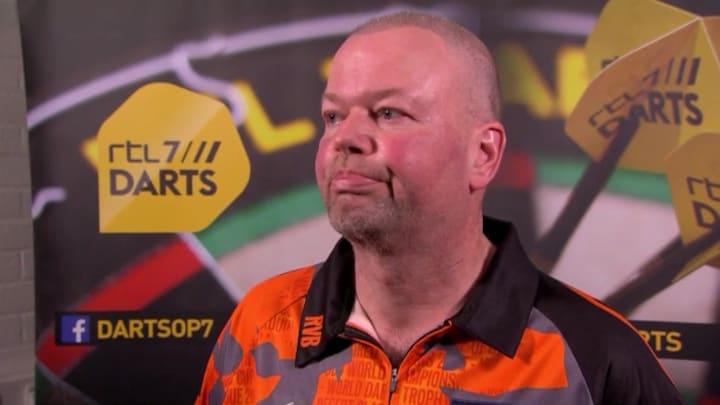 Manager Raymond van Barneveld spreekt definitief stoppen van 'Barney' tegen