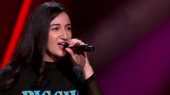 The Voice: Bekijk optreden Souhaila Boubkari met Pour Que Tu M'aimes Encore (Blind Auditions)