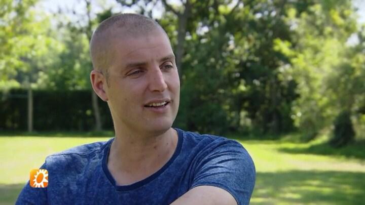 Maarten van der Weijden gehuldigd in Waspik na Elfsteden Zwemtocht