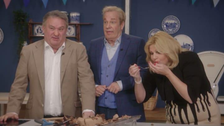 De TV Kantine: Jury Heel Holland Bakt gaat los op taart van Maroeska