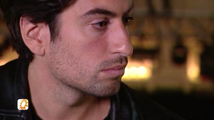 Dotan sleurt zanger Ramin Rezai uit de kast