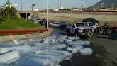 Foutje, bedankt: vrachtwagen verliest lading ijsblokken