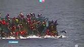 Zeldzame beelden van kapseizen vluchtelingenboot