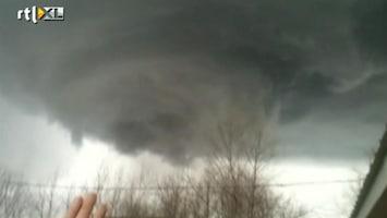 RTL Nieuws Verwoestende tornado's razen door de VS