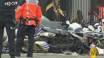 RTL Nieuws Auto rijdt in op politie bij paleis Brussel