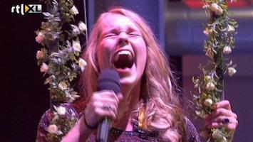 Killer Karaoke - In Een Bak Met Slangen...altijd Blijven Zingen!