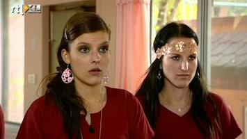 Echte Meisjes Op Zoek Naar Zichzelf - Een Van De Meisjes Verbaasd Ad Wel Heel Erg!