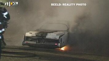 RTL Nieuws Pyromaan steekt cabrio's in brand