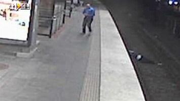 RTL Nieuws Man valt op metrorails en wordt beroofd