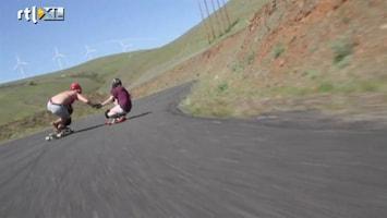 Editie NL Levensgevaarlijke afdaling skateboard-chicks
