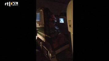 RTL Nieuws Dronken man vastgetapet aan vliegtuigstoel