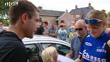 RTL Nieuws Tourwinnaar bezoekt Friese Surhuisterveen