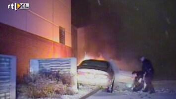 RTL Nieuws Agent redt man uit brandende auto