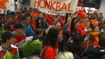 RTL Nieuws Honkballers genieten van 'voetbalonthaal'