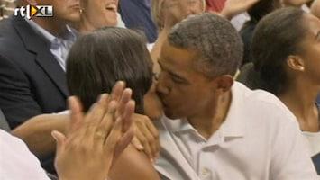 Editie NL Obama moet zoenen