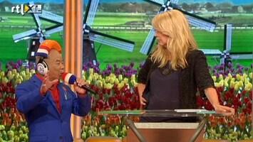 Ik Hou Van Holland Meneer Cheung zingt 'Hij was maar een clown'