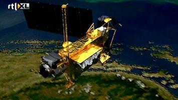 RTL Nieuws Satelliet zo groot als een stadbus komt neer