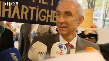 RTL Nieuws Demonstranten spreken Leers toe