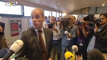 RTL Nieuws Samsom spreekt uitbundige fractie toe