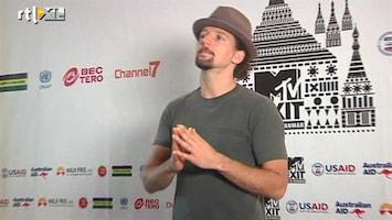 RTL Nieuws Myanmar swingt bij concert Jason Mraz