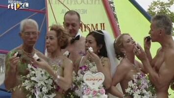 RTL Nieuws Naakt en massaal het huwelijksbootje in