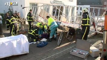 RTL Nieuws Steiger valt op fietsende vrouw in Roermond