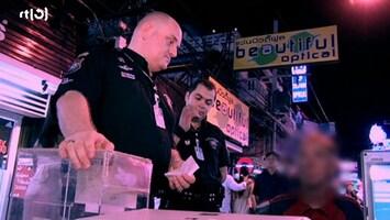 Big Trouble In  Tourist Thailand - Uitzending van 09-08-2011
