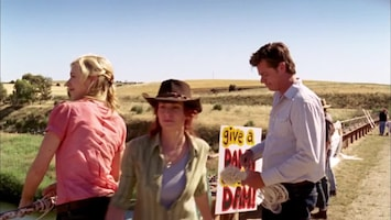 Mcleod's Daughters - Love And Let Die