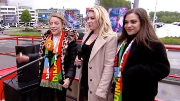 Artiesten zetten Rotterdam op z'n kop in Boulevard songfestivalbus