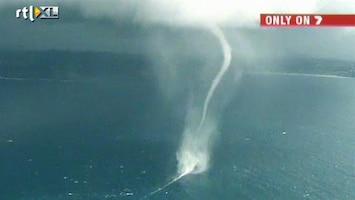 RTL Nieuws Gigantische waterhoos bij Australië