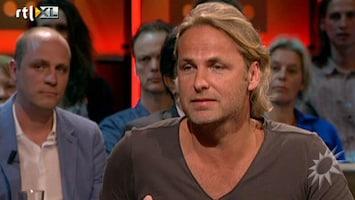 RTL Boulevard John Ewbank trekt Koningslied terug