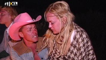 Echte Meisjes Op De Prairie - De Koeien Gingen Helemaal Los