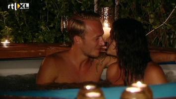 Love In The Wild 'Een goede zoen smaakt naar meer..'