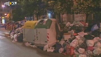 RTL Nieuws Napolitanen ruimen eigen afvalberg