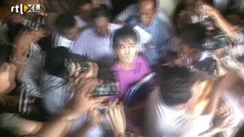 RTL Nieuws Aung San Suu Kyi weer de politiek in