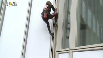 RTL Nieuws Spiderman beklimt hoogste gebouw Frankrijk