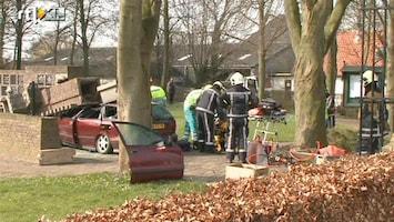 RTL Nieuws Auto rijdt in op urnenmuur