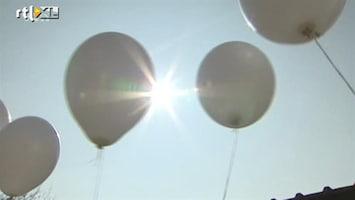RTL Nieuws Witte ballonnen voor slachtoffers busramp