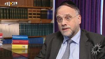 RTL Boulevard Boete voor Joodse man zonder ID