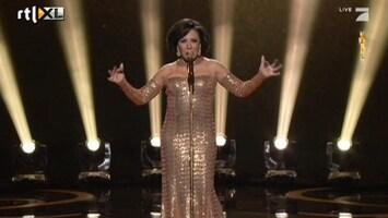 RTL Nieuws Shirley Bassey en Adele met Bondsongs op Oscargala