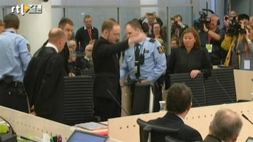 Editie NL Breivik maakt extreemrechtse groet
