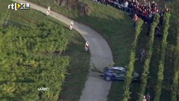 RTL Nieuws Miraculeuze rallycrash in Franse wijngaard