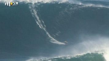 RTL Nieuws Wereldrecord voor surfen op grootste golf ooit