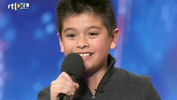 Het Beste Van Got Talent Worldwide Charlie zingt de sterren van de hemel...