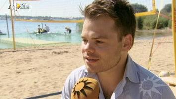 RTL Boulevard Artiesten trotseren hitte op strandfestival Zand