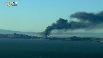 RTL Nieuws Een van de grootste olieraffenaderijen in de VS staat in brand